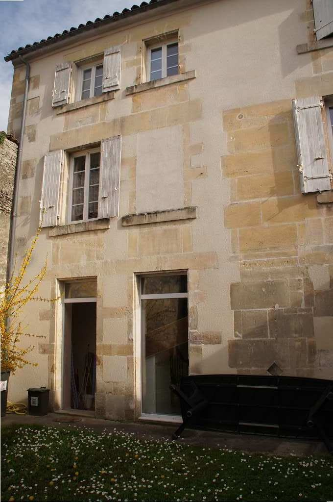 French property for sale house near cognac in charente for Piscine d eau cognac